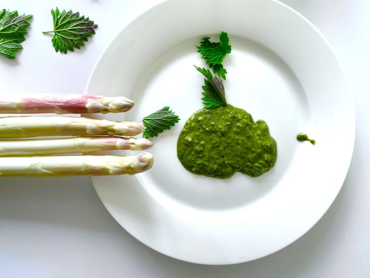 Fett grüne Sauce zum Spargel